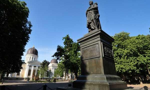 Памятнику Михаилу Воронцову в Одессе исполнилось 143 года