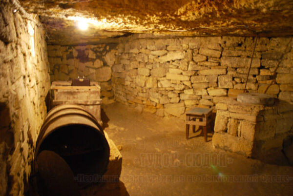 katakomby 2 600x402 - 20000 лье под землей <br/>Экскурсия в катакомбы