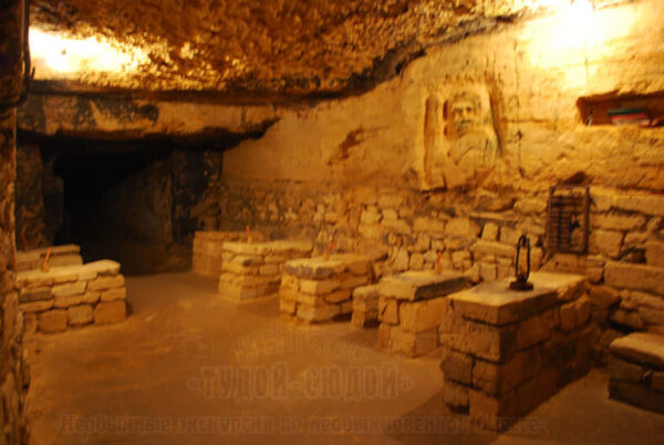 katakomby 3 600x402 - 20000 лье под землей <br/>Экскурсия в катакомбы