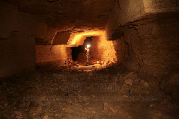 katakomby 4 600x401 - 20000 лье под землей <br/>Экскурсия в катакомбы