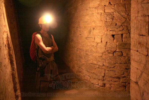 katakomby 6 600x401 - 20000 лье под землей <br/>Экскурсия в катакомбы